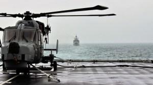 BBC на борда на миноносец: руски враждебни предупреждения в украински води