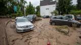Западна Германия е парализирана, над 150 водни жертви