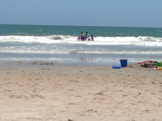 Jumping waves with Aunt Di