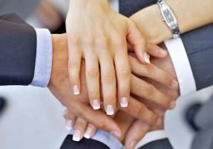 El rapport se muestra en cualquier relación afectuosa, comprometida y amable.