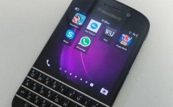 blackberry-q10-skype-whatsapp-580x358
