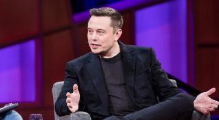 Elon Musk, Tesla'nın üretim hattında daha fazla insan çalışması gerektiğini söyledi