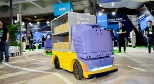Alibaba'nın saatte 14 km hızla teslimat yapan sürücüsüz robotu