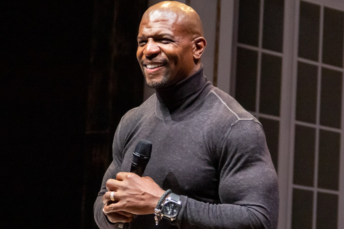 Terry Crews inspires students with personal life stories