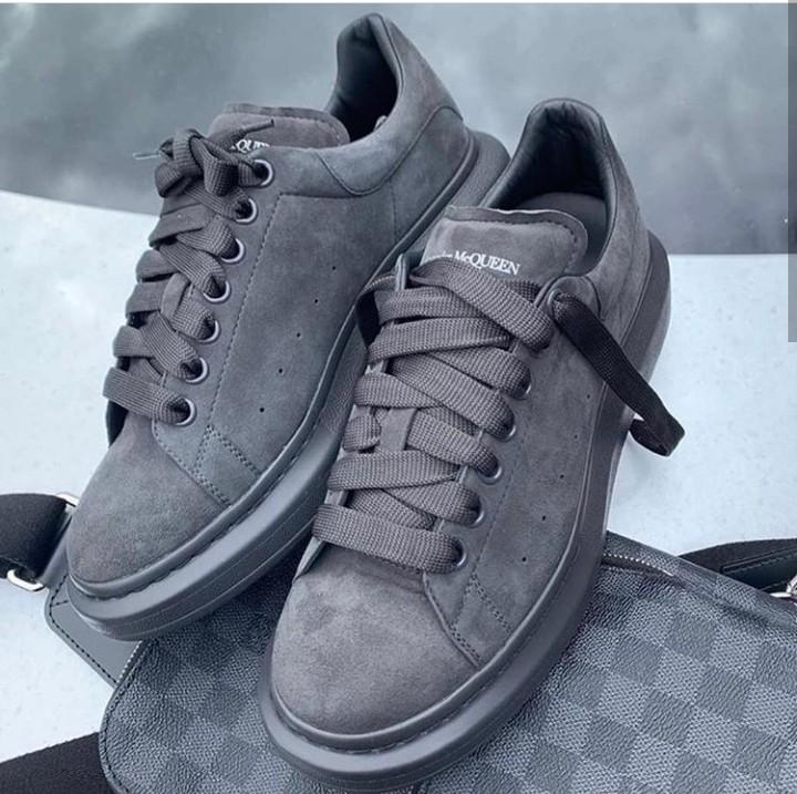Alexander Mcqueen sneakers new. cut it 38. Alexander