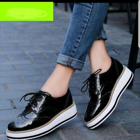 female laced shoes