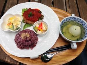 小平Cafe Lagurasのプレート