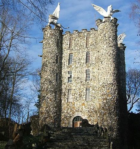 14 Fabulous DIY Castles by Lone Amateur Empire Builders