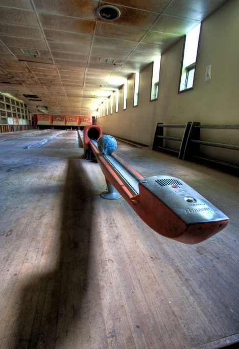 Abandoned Bowling Alley Near Me : abandoned, bowling, alley, Abandoned, Bowling, Alley, 10lilian