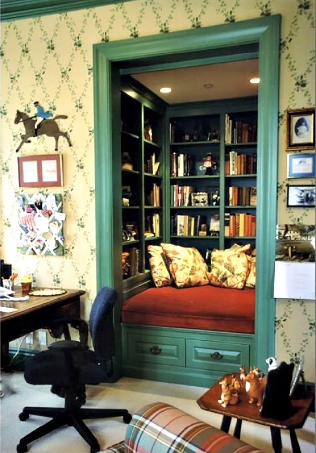 Check Out These Books 18 Home Libraries for Ravenous