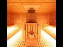 Full Steam Japanese Capsule Hotel Offers Saunas