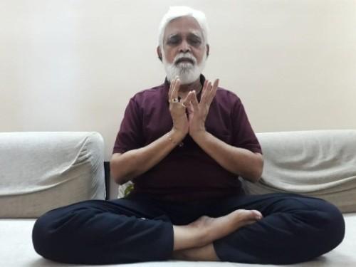 Yoga - Mahalaxmi Mudra 2