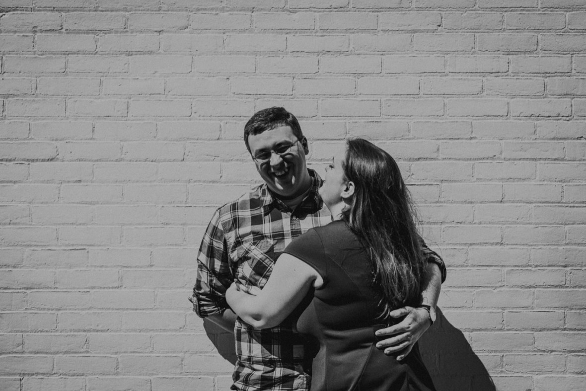 09_WCTM5326abwb_Louisville_Photos_Bardstown_Engagement_Kentucky_Road_Spring_Downtown_Urban