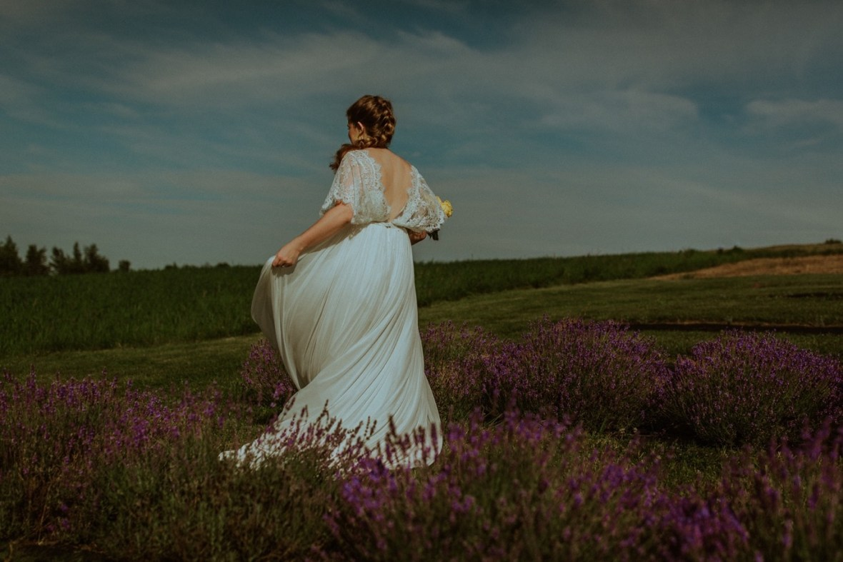 06_WCTM3480ab_Lavender_Farm_Phillips_Clothier_Wedding_Kimberly