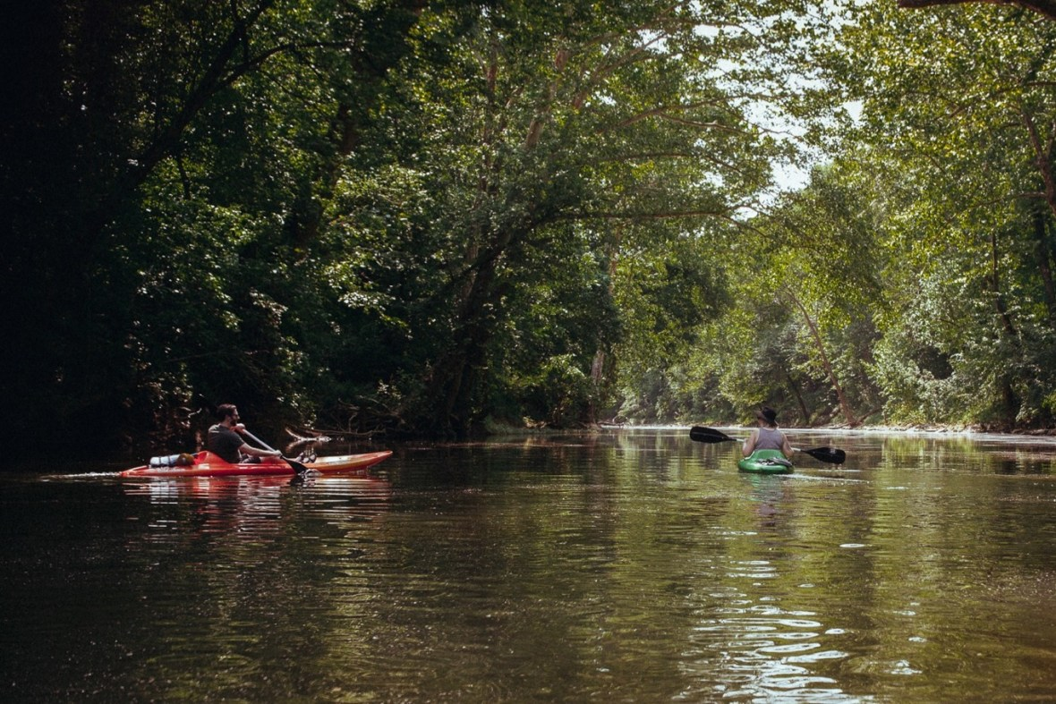 08_WCTM1304ab_Photos_Engagement_Canoes_Southern_Indiana_River_Blue_Country_Cave_Kayaking