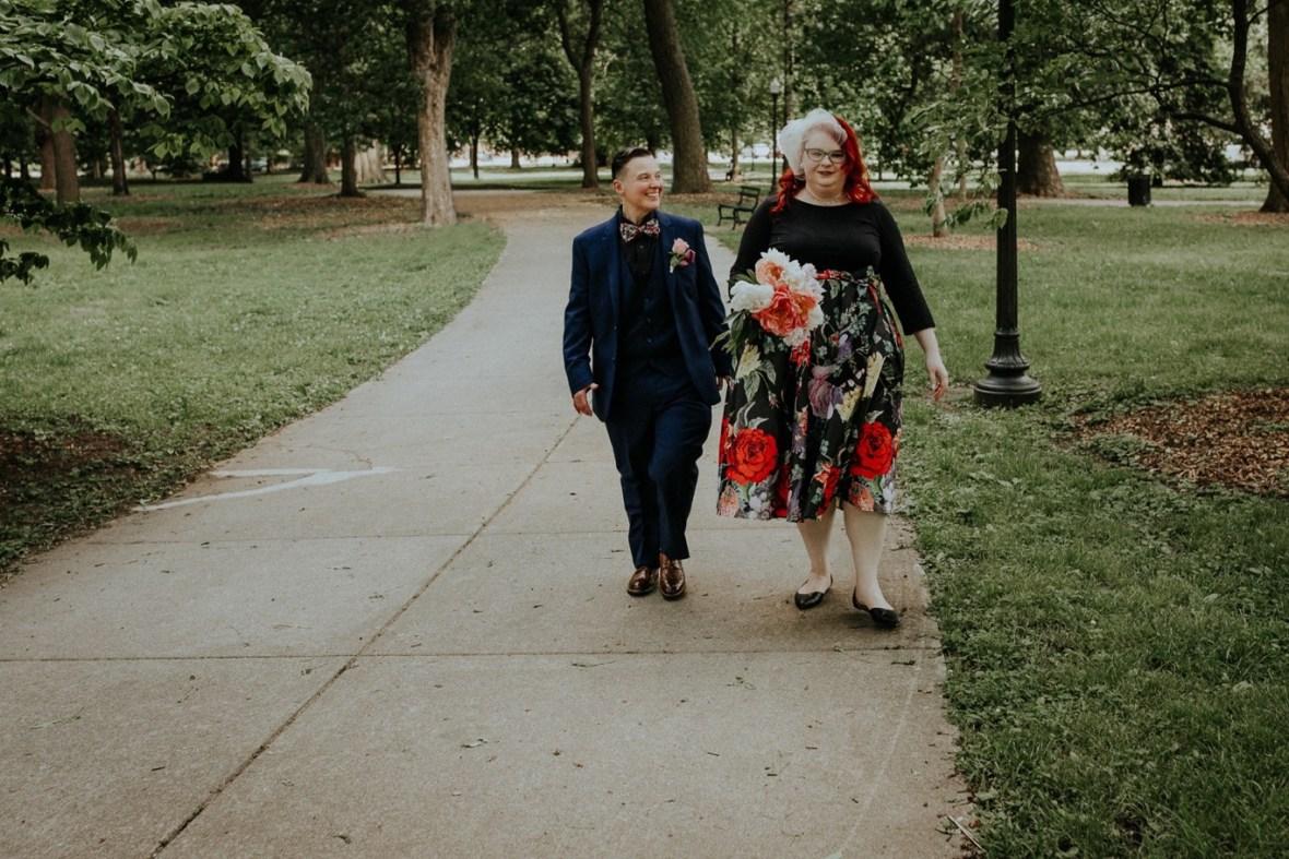 13_WeddingPartyPhotos056b_Wedding_Louisville_Spring_Black_Dress_old