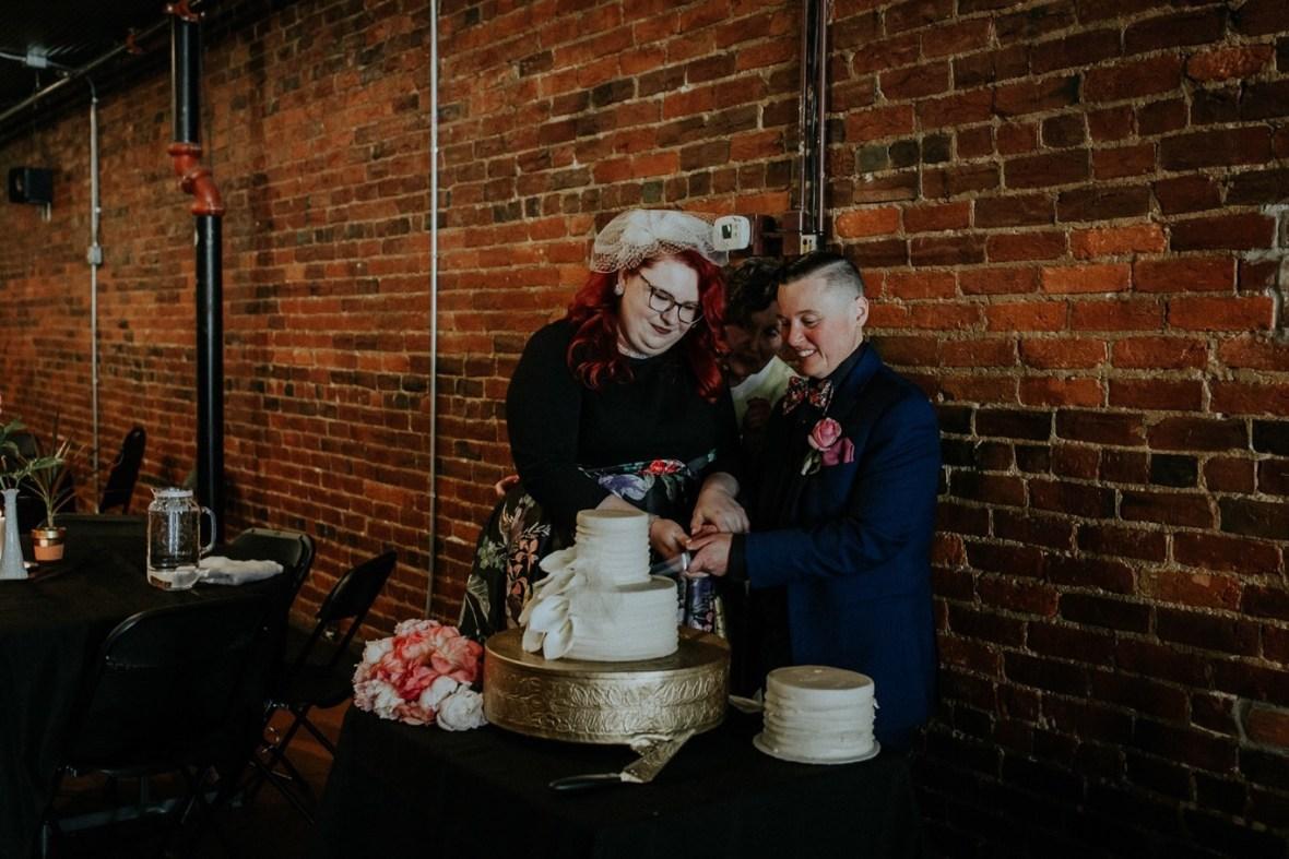 46_Reception079b_Wedding_Louisville_Spring_Black_Dress_old