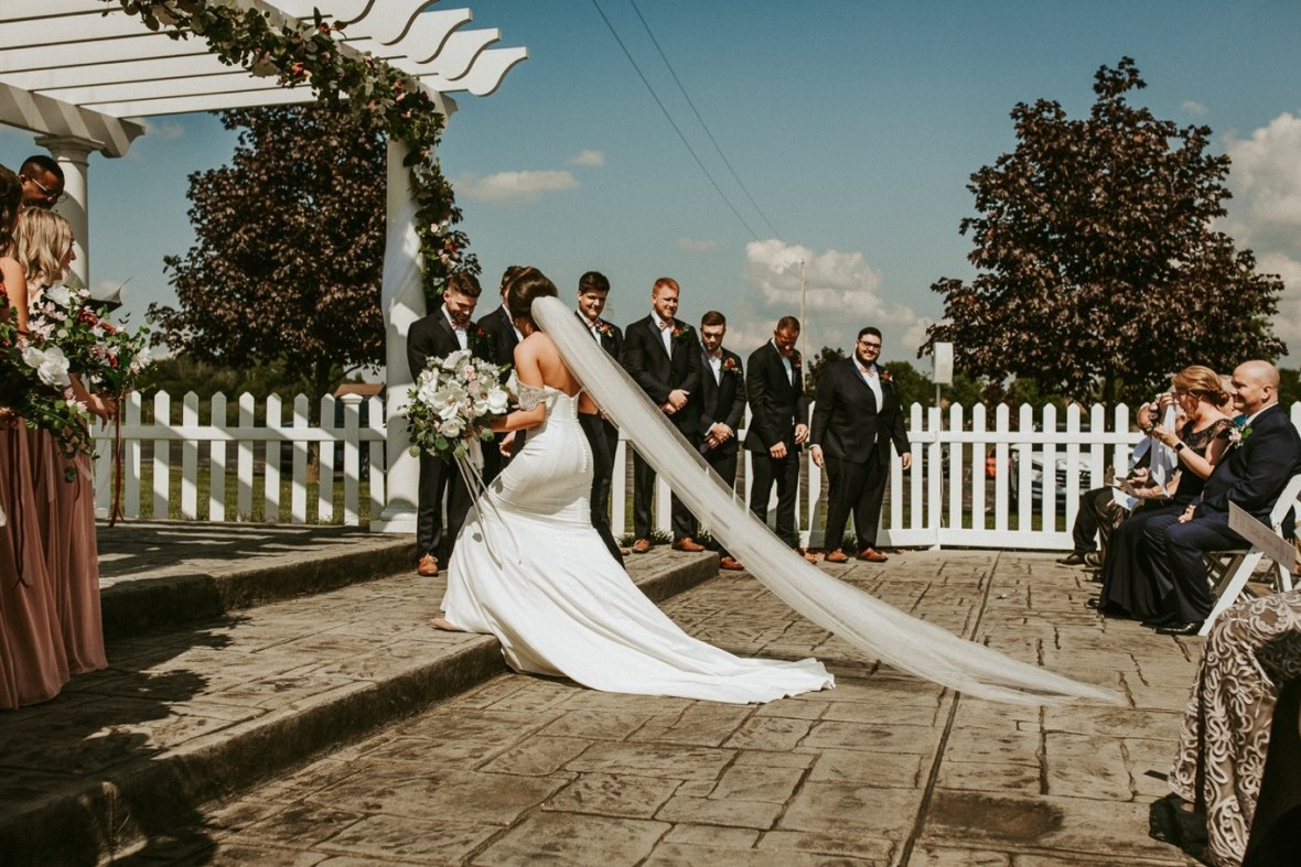 22_WCTM9047ab_Southern_Indiana_Summer_Winery_Wedding_Huber's_orchard_Vineyard
