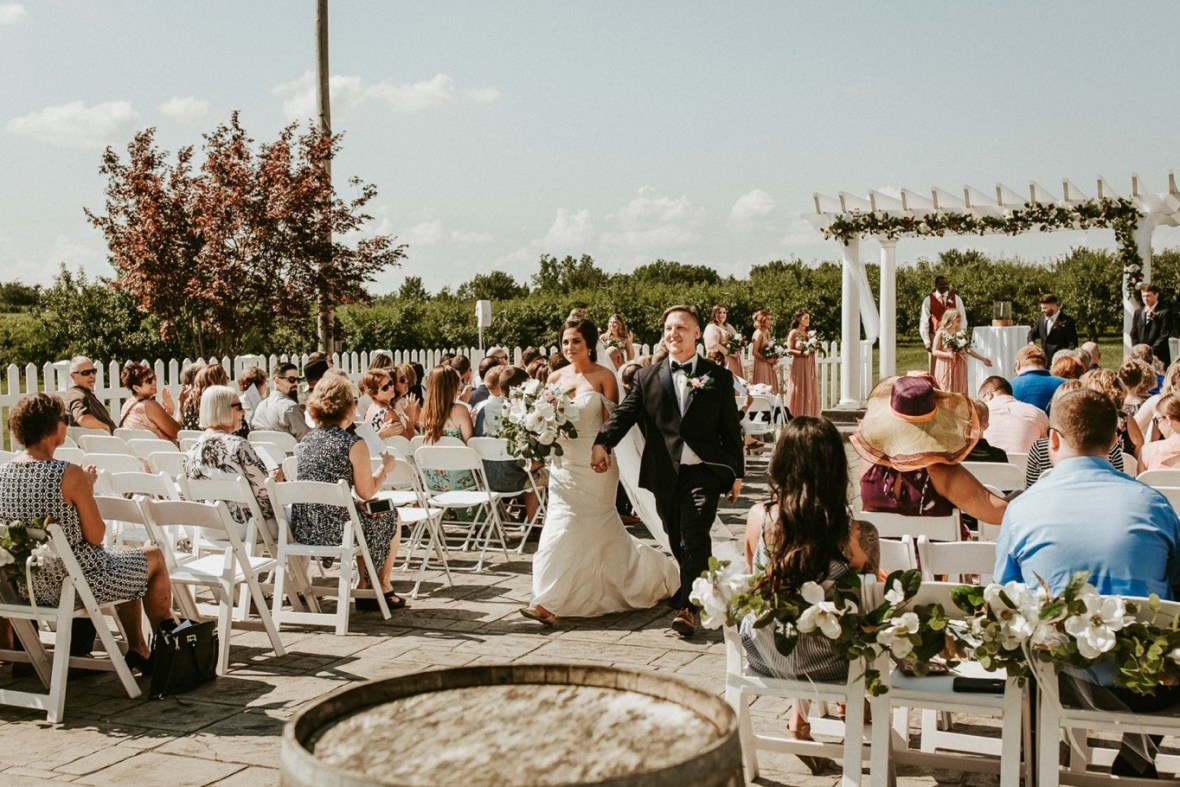 32_WCTM9073ab_Southern_Indiana_Summer_Winery_Wedding_Huber's_orchard_Vineyard
