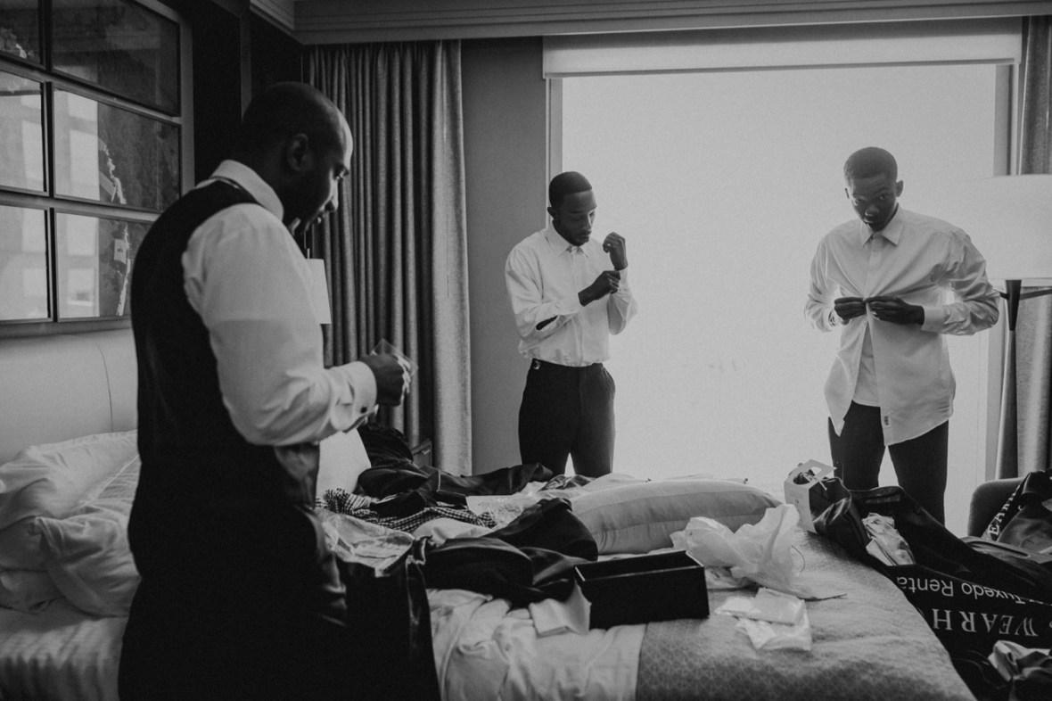 06_WCTM1962abwb_Center_omni_Hotel_Summer_Louisville_Wedding_Art_Kentucky_Mellwood