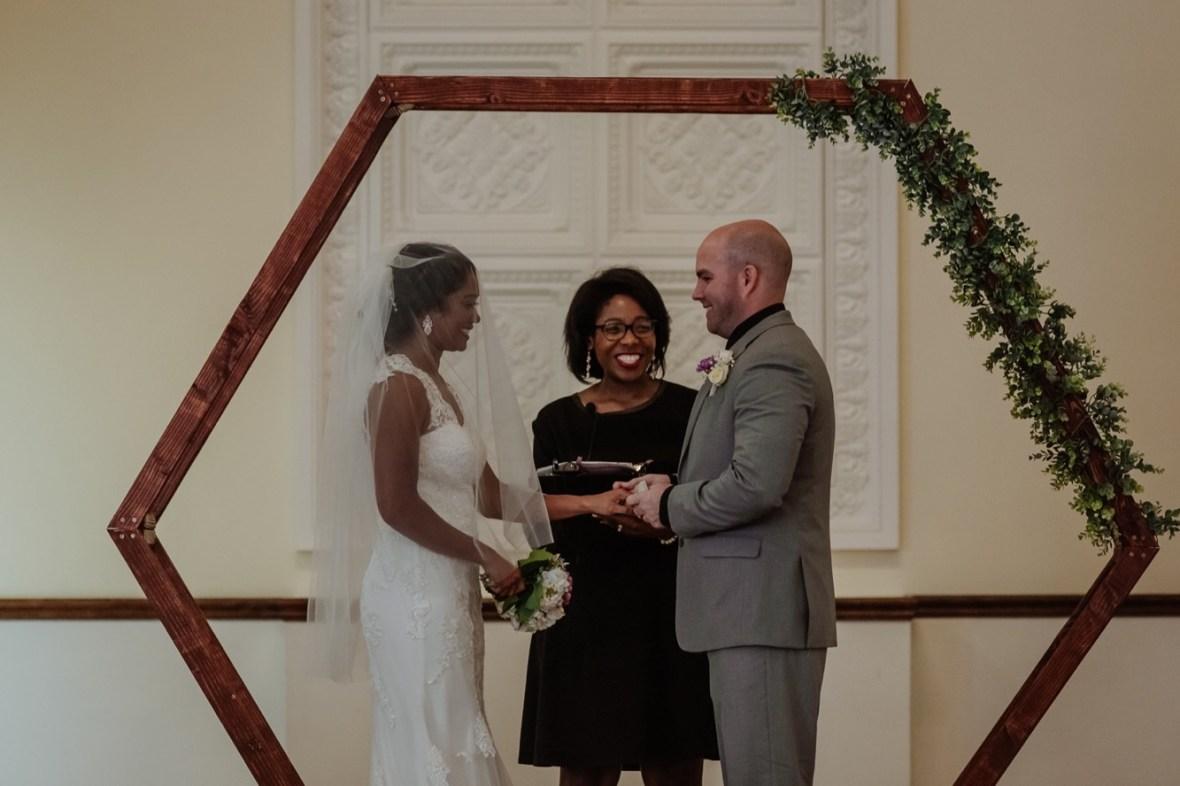 31_WTCM6211ab_Versailles_Kentucky_Themed_Galerie_Summer_Wedding