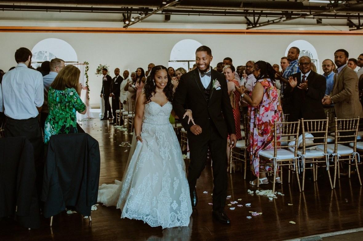 42_WCTM2633ab_Center_omni_Hotel_Summer_Louisville_Wedding_Art_Kentucky_Mellwood