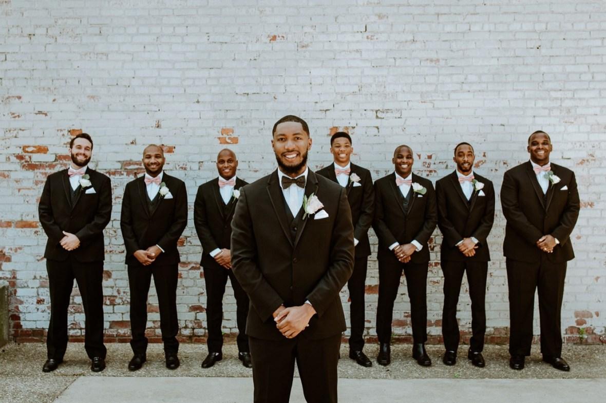 47_WCTM2136ab_Center_omni_Hotel_Summer_Louisville_Wedding_Art_Kentucky_Mellwood