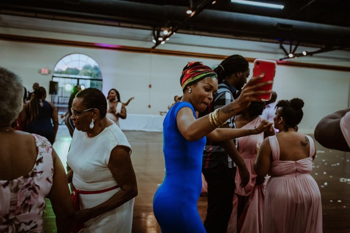 71_WCTM3229ab_Center_omni_Hotel_Summer_Louisville_Wedding_Art_Kentucky_Mellwood