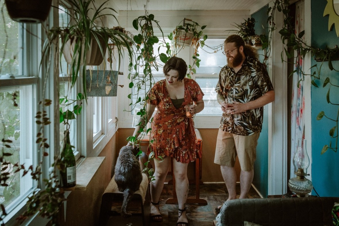 19_WCTM9048ab_In_Louisville_Session_Kentucky_Home_With_Couples_Cats