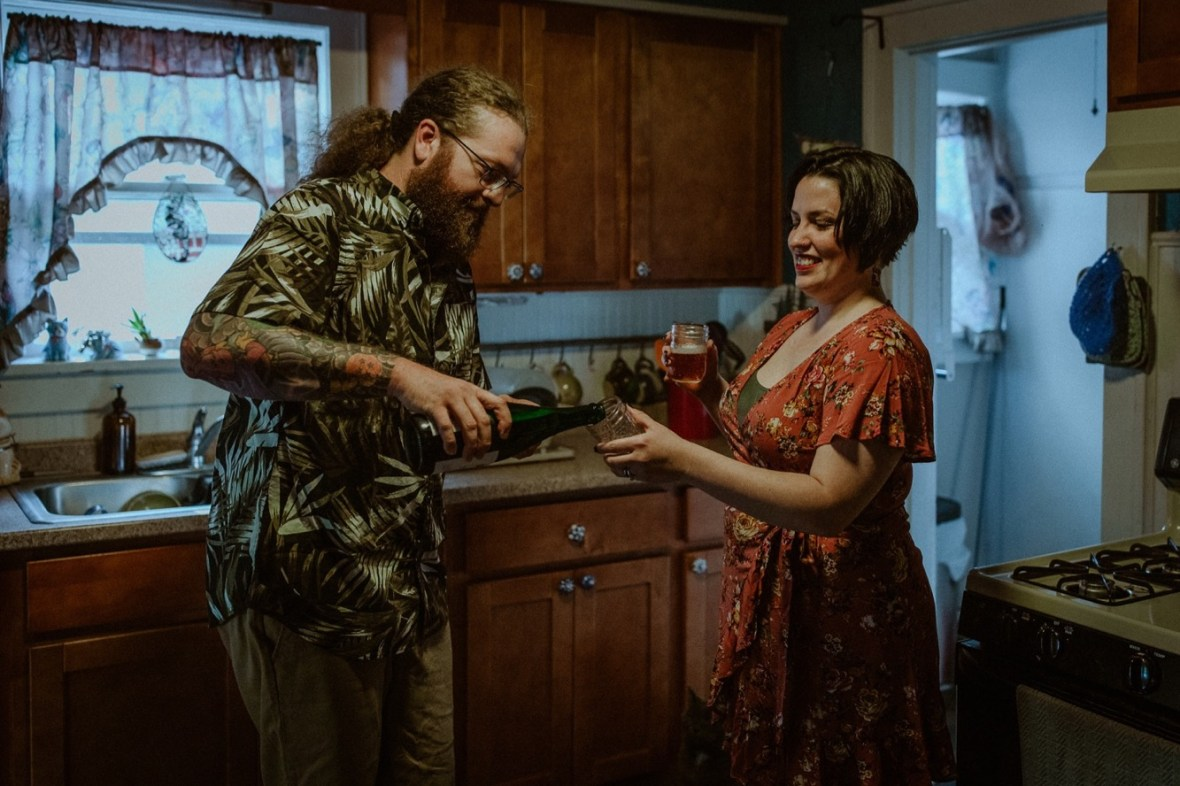 27_WCTM9015ab_In_Louisville_Session_Kentucky_Home_With_Couples_Cats