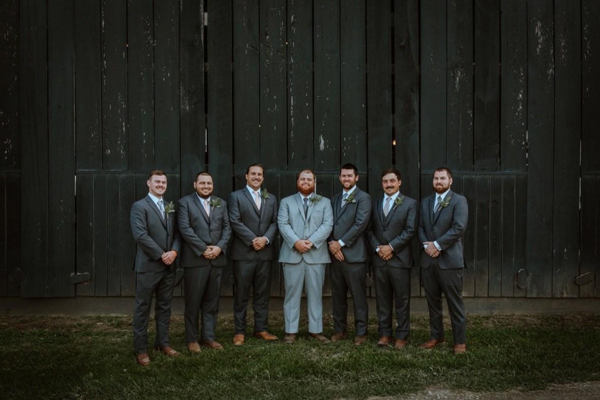 44_WPP049ab_Barn_Indoor_Shelbyville_Kentucky_Summer_Wedding