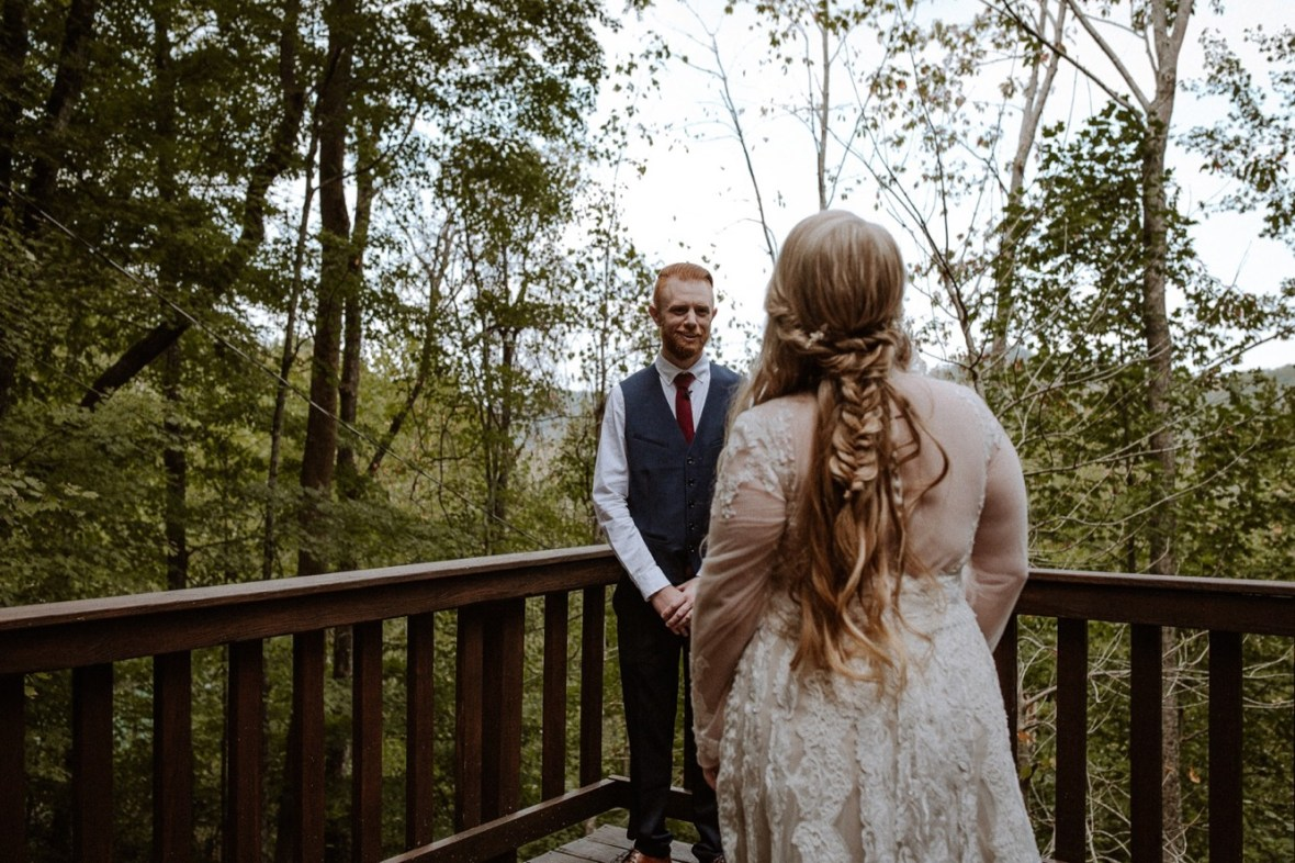 05_WCTM0479ab_Red_Wedding_River_At_Small_Chimney_Top_Gorge_Rock