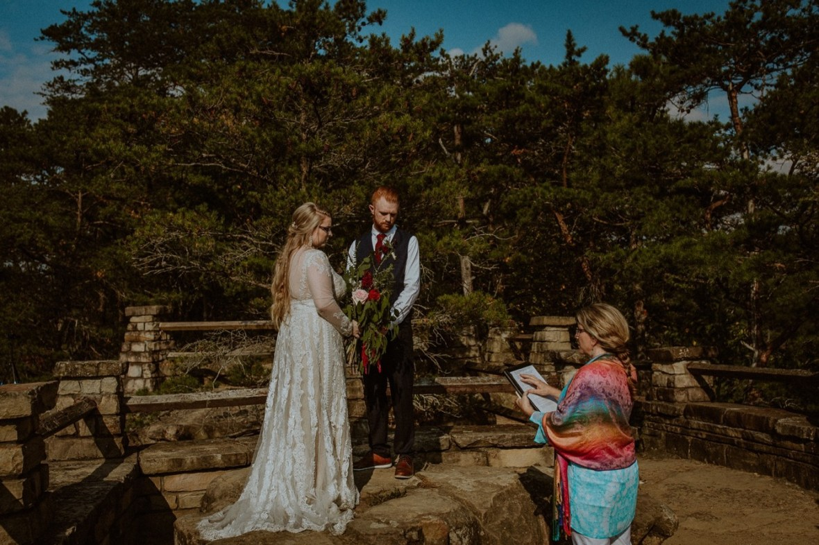 20_WCTM0773ab_Red_Wedding_River_At_Small_Chimney_Top_Gorge_Rock