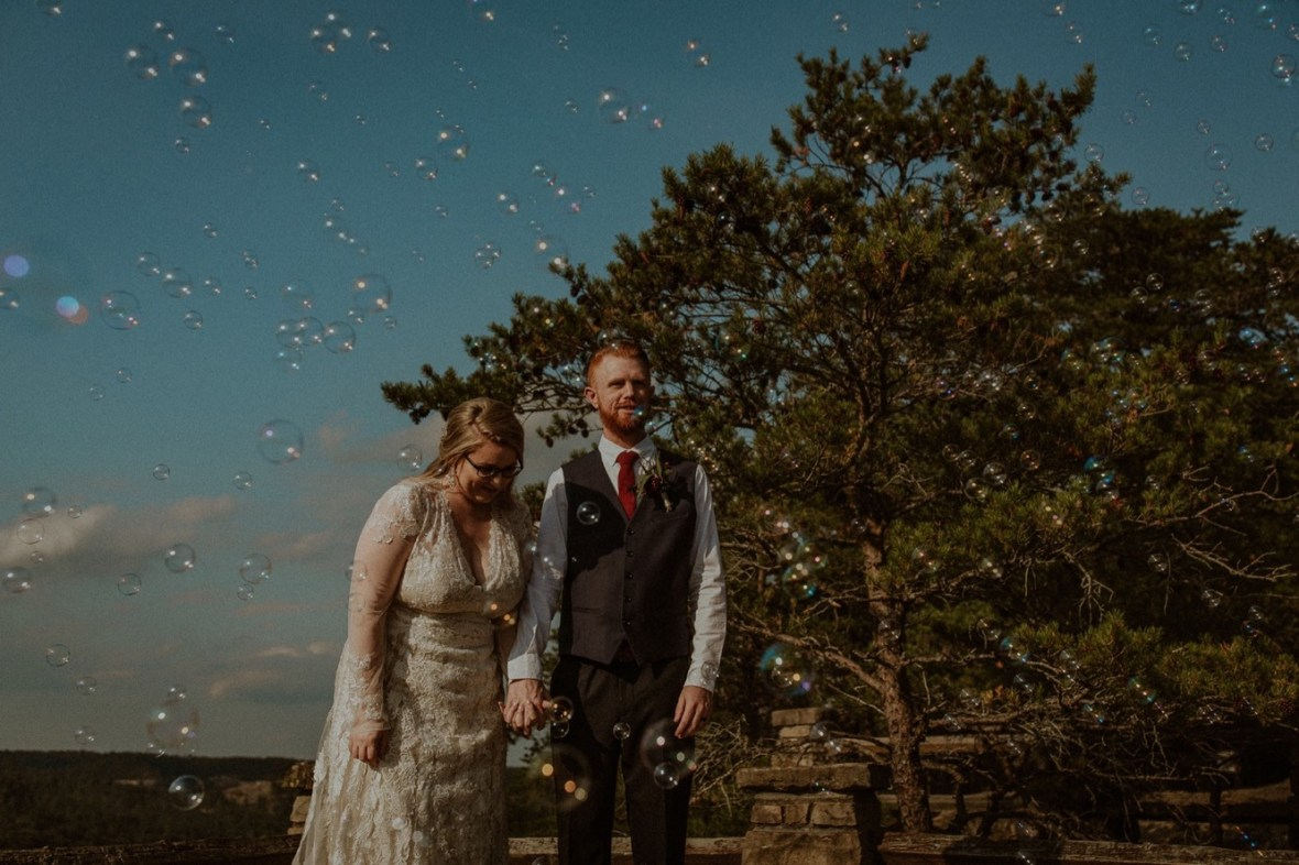 27_WCTM0857ab_Red_Wedding_River_At_Small_Chimney_Top_Gorge_Rock