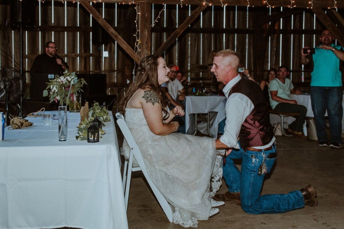 54_WCTM2608aa_Rustic_Red_Wedding_Kentucky_Barn_At_Falling_orchard_Shelbyville