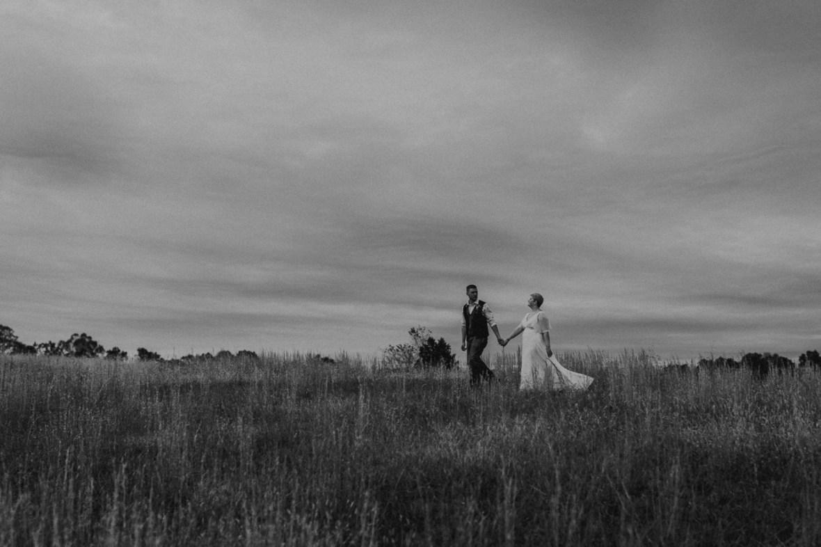 54_WCTM6789abwb_Rustic_Indiana_Southern_october_Wedding_Corydon_Falling