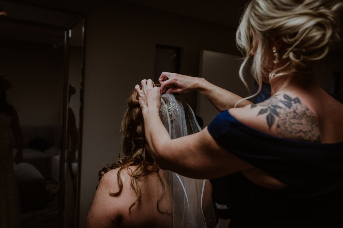 10_WCTM9652ab_Indiana_Fall_The_Jeffersonville_Wedding_Refinery_Late