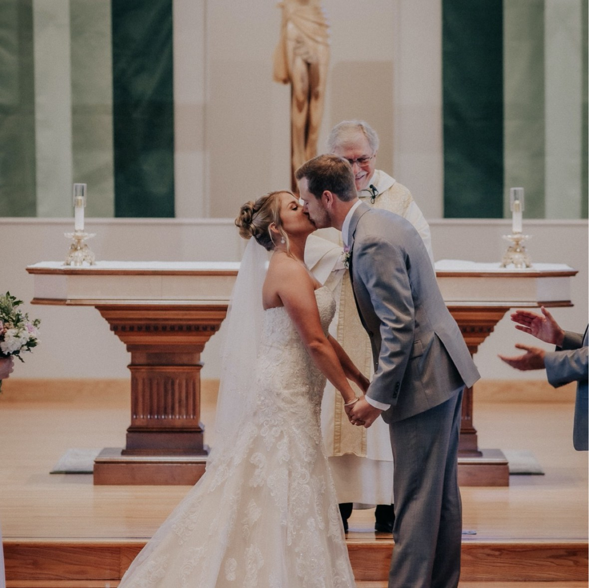 31_WTCM8836ab_oldham_Rustic_Summer_County_Kentucky_Wedding_Grange_La_Crestwood