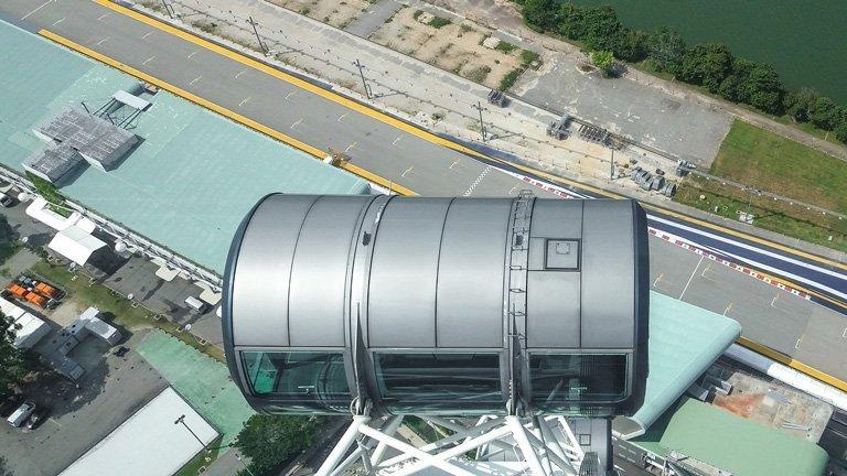 Circuito de la Formula 1 de Singapur visto desde una capsula Singapore Flyer