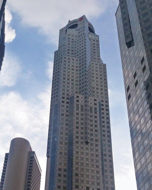 Torre UOB Plaza en la Raffles Place, Singapore