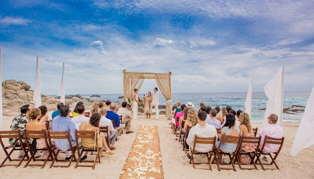 06Intimate-Destination-Wedding-Cabo-San-Lucas-Beautiful-Day-Photography-ceremony
