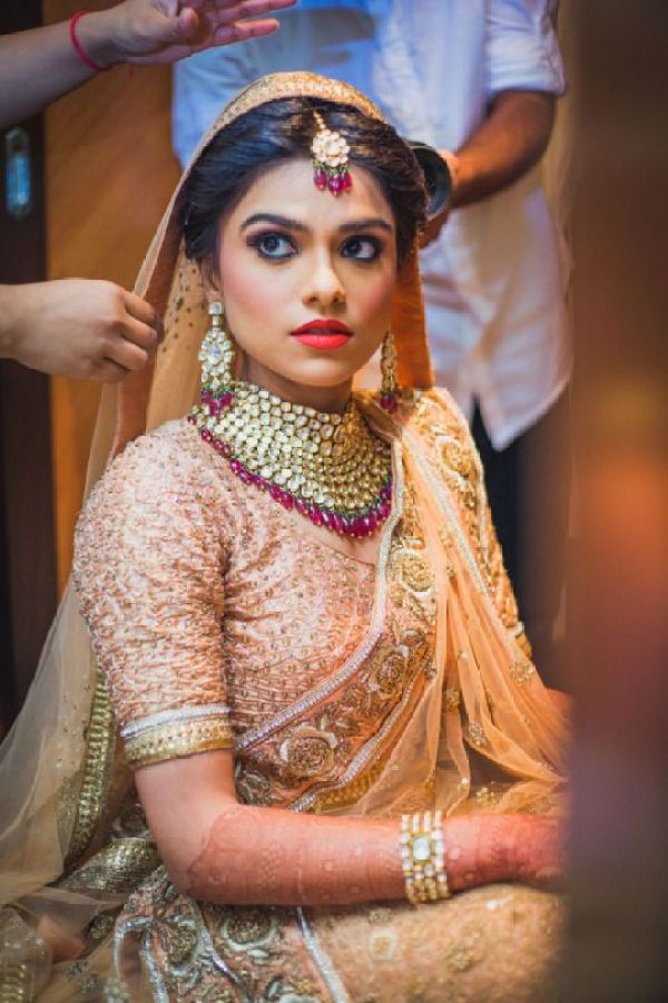 The Comeback of the Choker Style in Indian Marriages