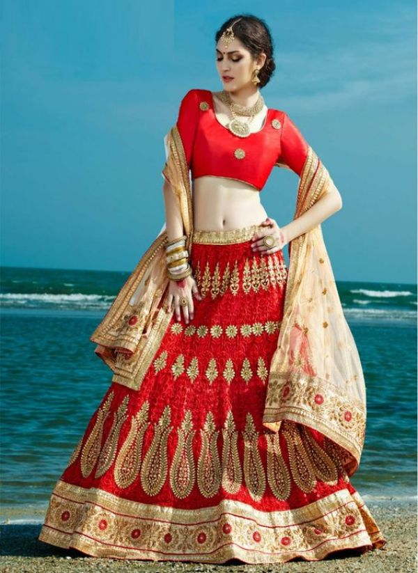 photography ideas for wedding lehenga
