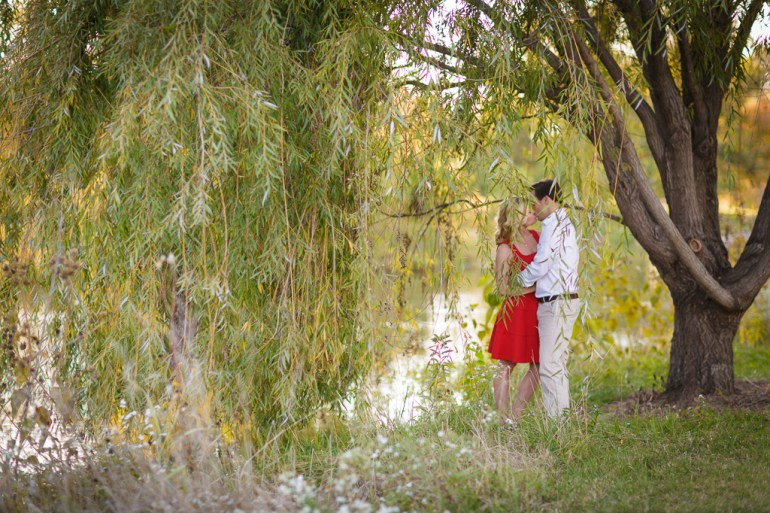 -Saint-Louis-wedding-Photographer-Engagement-Forest-Park-25