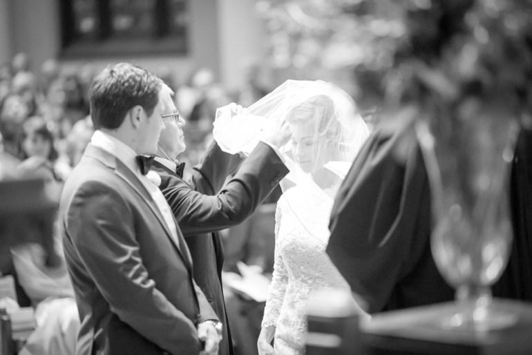 -Saint-Louis-Wedding-Photographer-Memorial-Presbyterian-Church-Neo-on-Locust-22