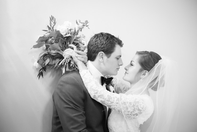 -Saint-Louis-Wedding-Photographer-Memorial-Presbyterian-Church-Neo-on-Locust-26