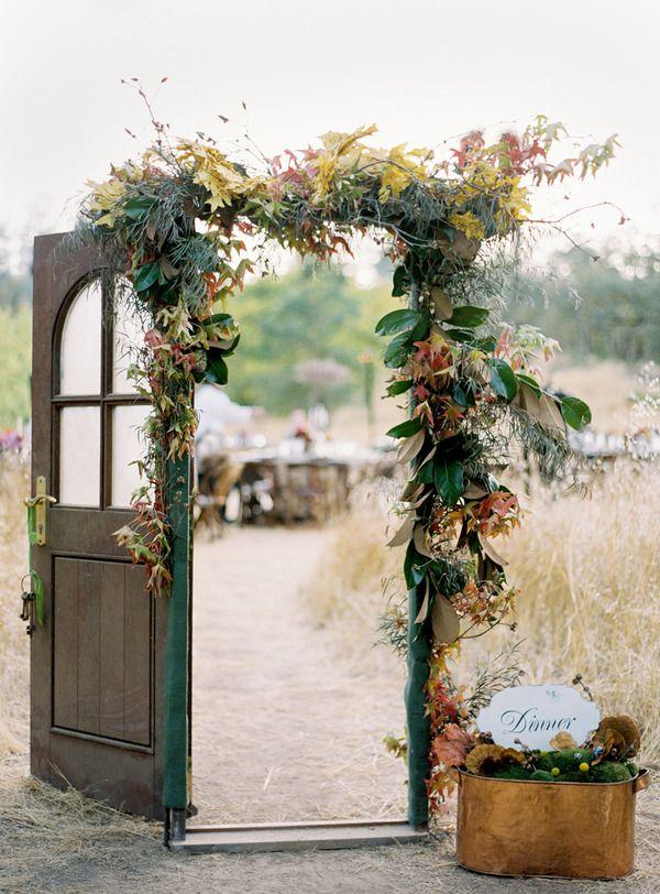 Vintage Wedding MustDo Wedding Door Decor  OneWed
