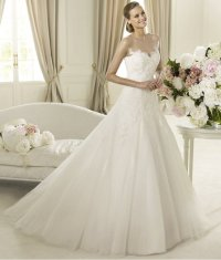 Romantic 2013 Wedding Dresses from the Pronovias Glamour ...