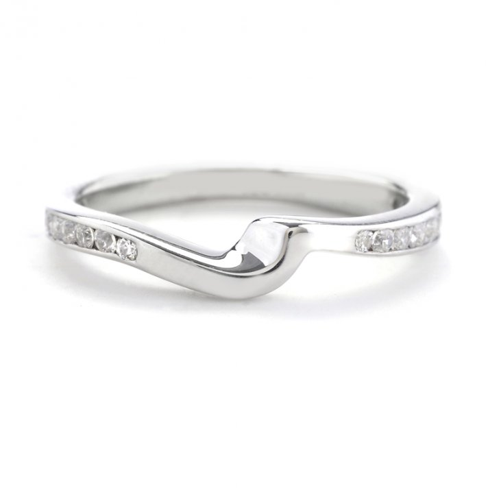 12 Made For Your Engagement Ring Wedding Bands