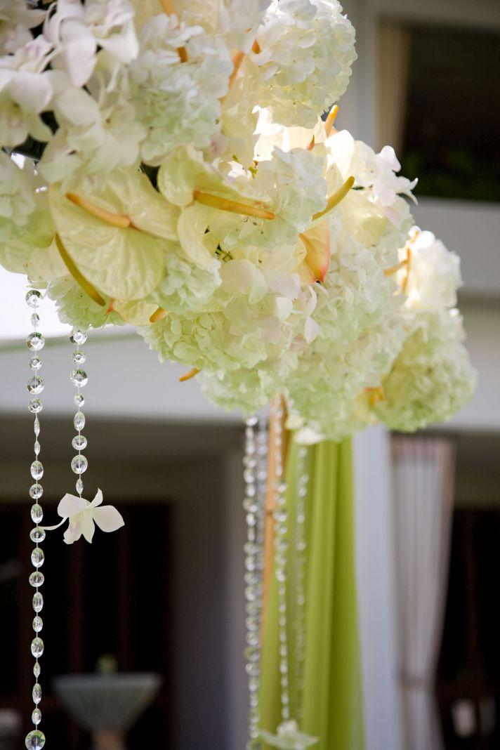 10 White Wedding Flowers We Love  OneWed